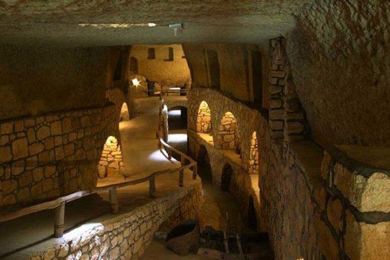 شهر زیرزمینی ۲۵۰۰ ساله و دیدنی در کیش