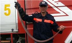 مهار مار ۱۷۰ سانتیمتری توسط آتشنشانی سیمرغ