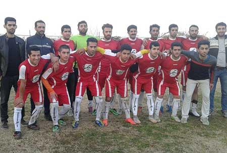 پیروزی تیم فوتبال چهاردانگه بر بخش مرکزی و راهیابی به یک چهارم+تصاویر