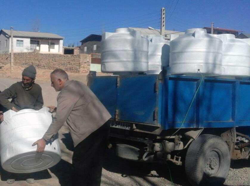 آغاز طرح توزیع تانکرهای ۲۰۰ لیتری آب در چهاردانگه