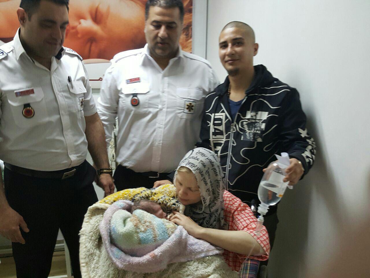 تولد نوزاد دانمارکی در آمبولانس مازندران + تصاویر