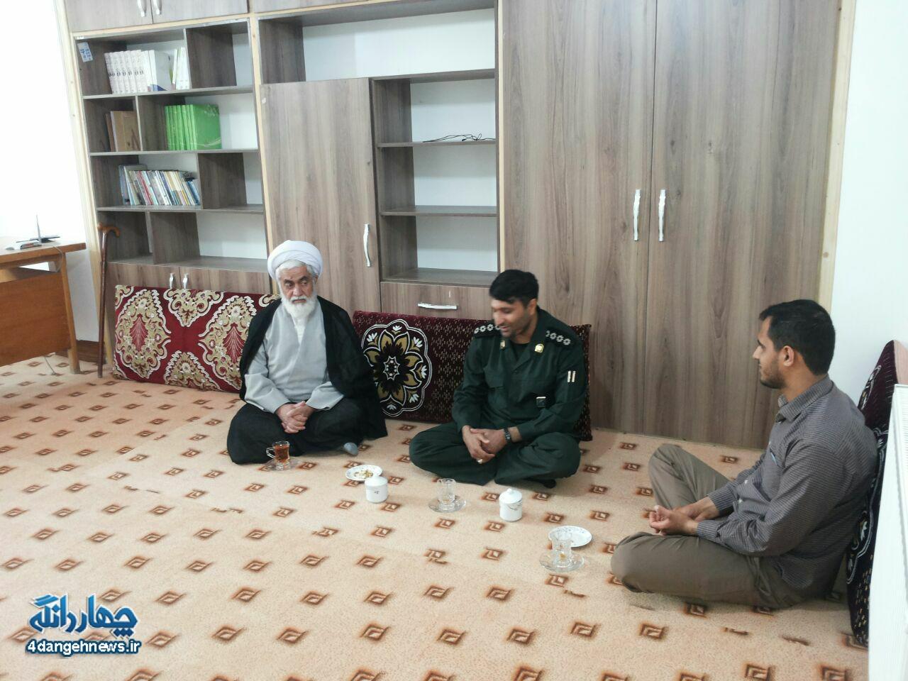دیدار فرمانده سپاه چهاردانگه با امام جمعه مرکز بخش
