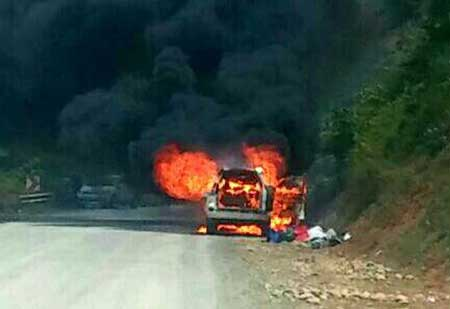 خودروی دویست میلیونی در جاده کیاسر در آتش سوخت