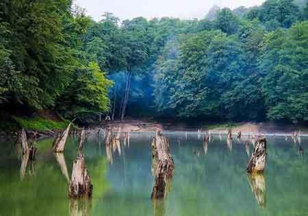 پیدا شدن دو گردشگر اصفهانی در اطراف دریاچه چورت