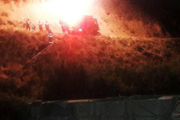 علت حادثه سقوط اتوبوس در درست بررسی است