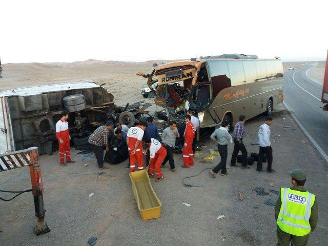 4 نفر در واژگونی خاور در جاده جنگلی پاسند بهشهر جان باختند