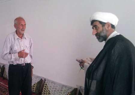 دیدار نماینده ولی فقیه در سپاه ساری با خانواده شهید حیاتی در روستای زلم رودبار