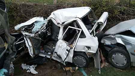 پنج مصدوم در پی تصادف دو خودرو در محور ساری - کیاسر