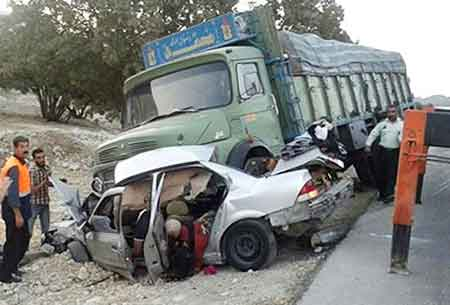 2 کشته و 2 مصدوم در برخورد کامیون با سمند در چالوس