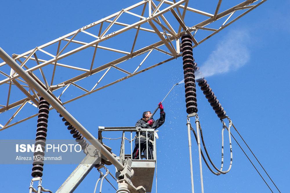 معاون توانیر: ۹۵ درصد برق کشور در داخل تولید میشود