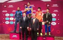 فیلم: اهدا مدال طلا عزت االه اکبری در مسابقات قهرمانی آسیا