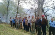 آتش سوزی جنگل های روستای کیاده مهار شد+ تصاویر