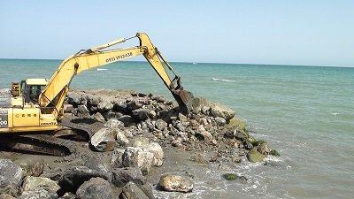 تخریب 30 سازه غیرمجاز دریایی در سواحل مازندران