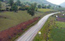 بارش باران و لغزنده بودن جاده ساری - کیاسر/رانندگان احتیاط کنند