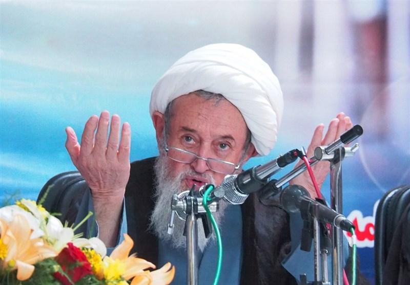 ساری| ملت ایران همواره تابع محض ولیفقیه است