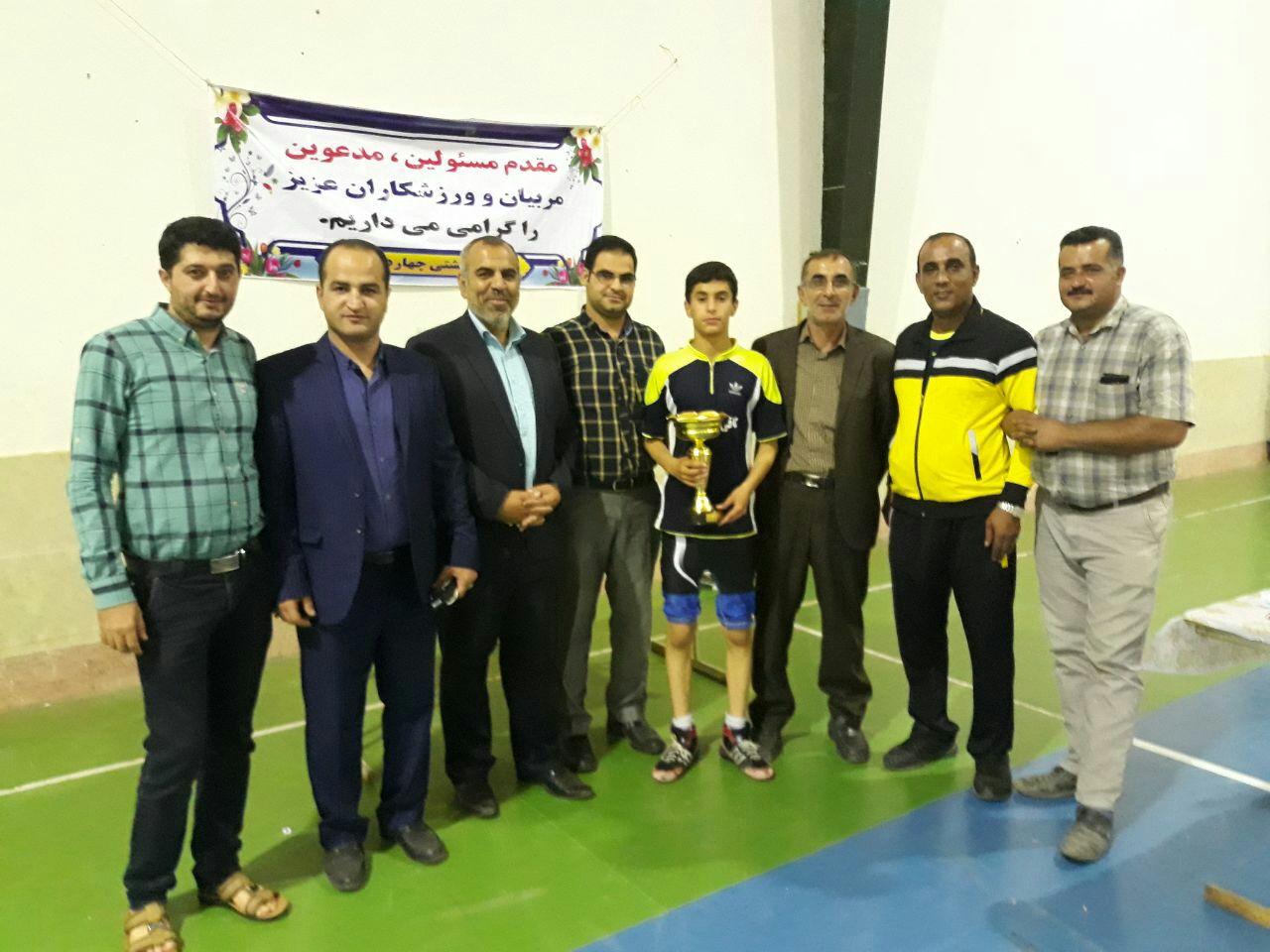کیاسر قهرمان سومین دوره مسابقات کشتی جام رمضان شد