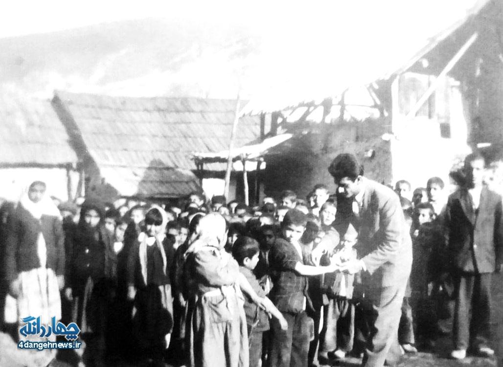 آبله کوبی دانش آموزان دبستان انوری کیاسر- 1335