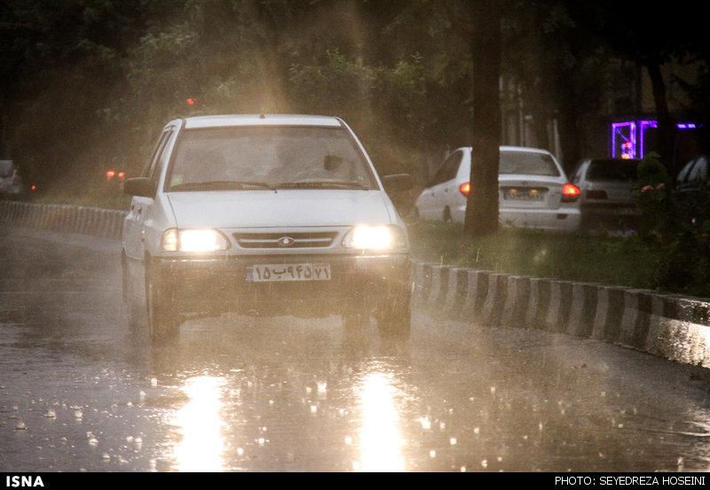 بارش باران شدید در گیلان و مازندران/ احتمال طغیان رودخانهها