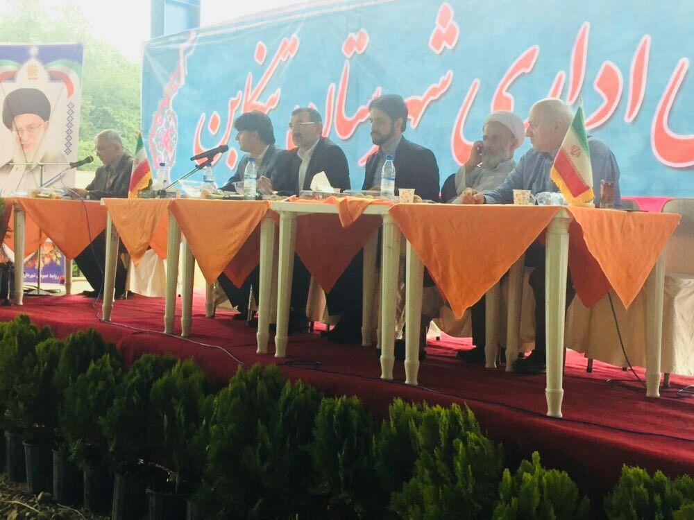 برگزاری جلسه شورای اداری در سایت زباله تنکابن!