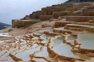 ایجاد آبراه برای تخلیه آب از چشمه سورت غیرکارشناسی است