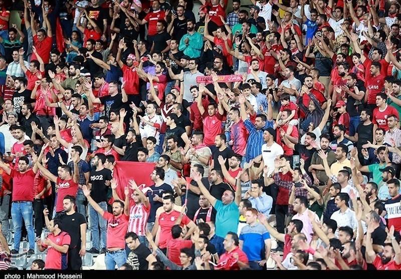 حاشیه دیدار نساجی - استقلال|تشویق استقلالیهای نساجی، جو فوقالعاده ورزشگاه و خوشوبش نکونام با عبداللهی