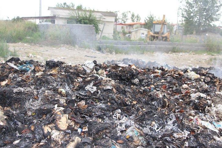 """دپوی غیربهداشتی زباله در روستای """"معلم کلا"""" محموآباد+ فیلم"""
