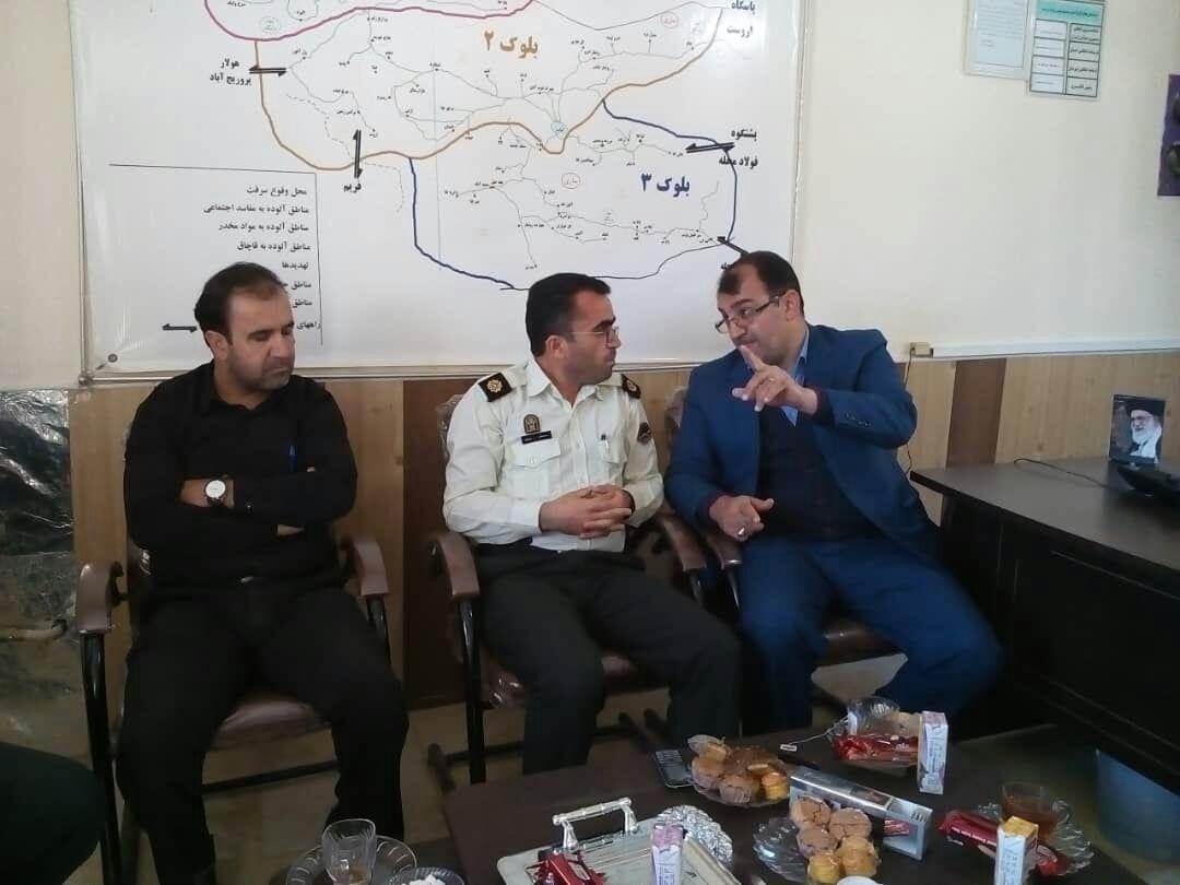 دیدار بخشدار با فرمانده انتظامی چهاردانگه