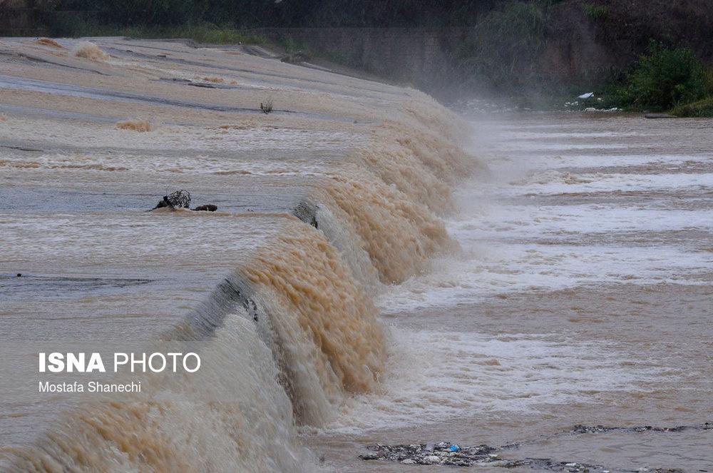 تخریب پلهای تنکابن به دلیل بارش روز گذشته صحت ندارد