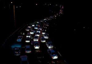 ترافیک نیمه سنگین در برخی نقاط جادههای هراز، چالوس و کیاسر / مه آلود بودن جاده کیاسر - سمنان
