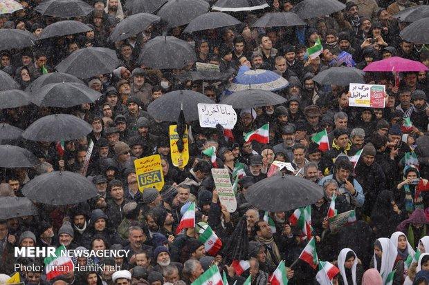 آمریکا نمیتواند ملت ایران را با تحریم به زانو درآورد