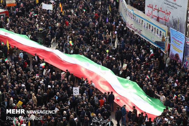 ملت ایران تمدن نوین اسلامی را برای بشریت محقق می کند