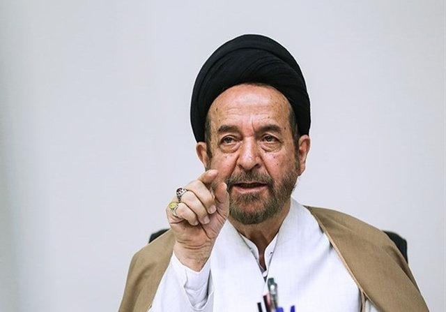 حمید روحانی:اشرافیها و دینفروشان میخواهند راه شهدا را منحرف کنند
