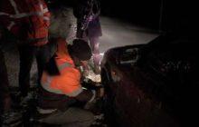 نجات یک خانواده چهاردانگه ای گرفتار در برف توسط پلیس شهمیرزاد
