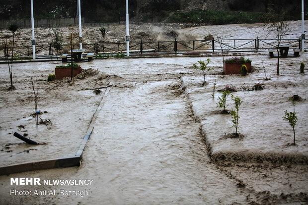 سیلاب و ریزش سنگ در مازندران ۳ کشته برجای گذاشت