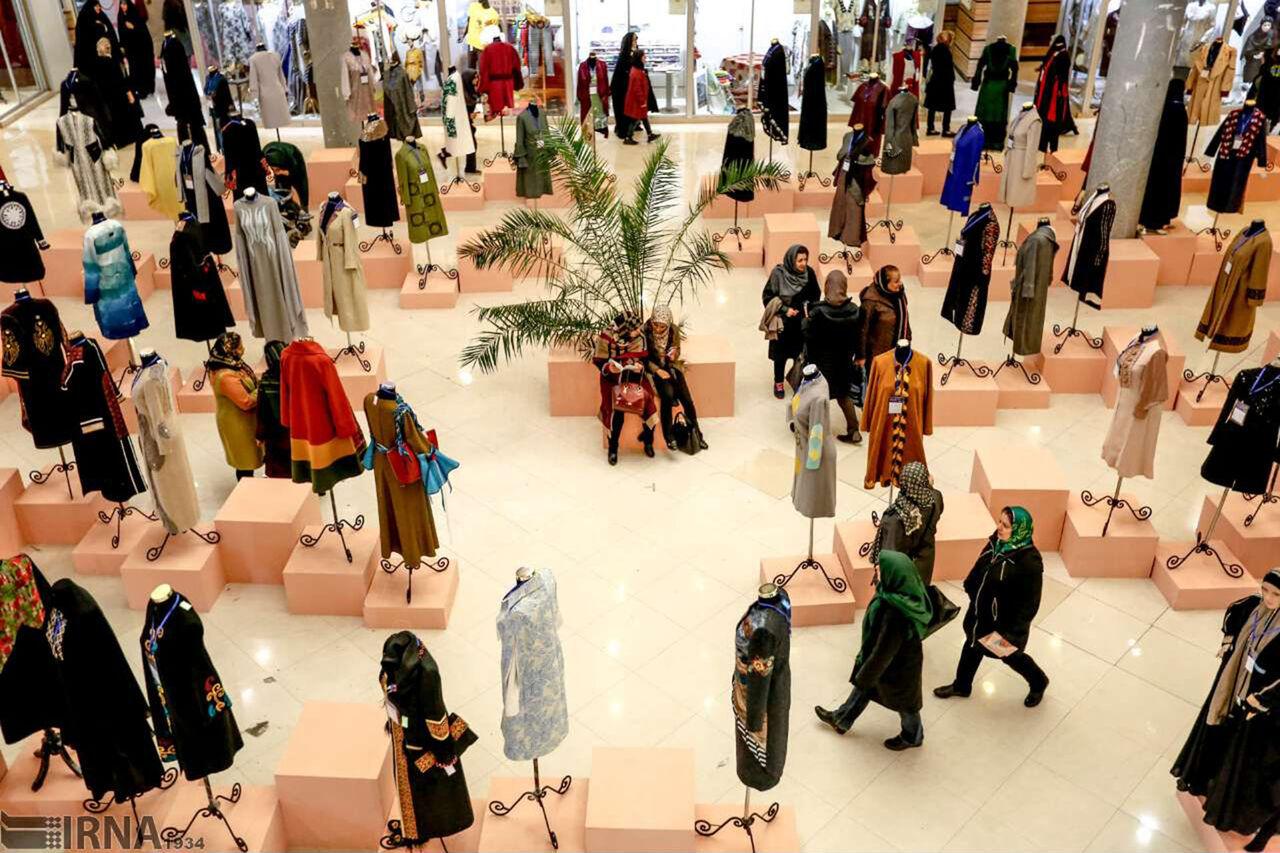 ارائه مد و پوشش اسلامی در ۴۰ غرفه نمایشگاهی در قائمشهر