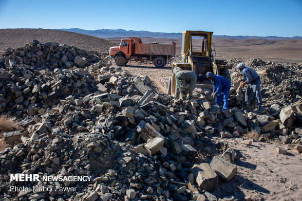 ارزش ۲۲ میلیارد تومانی تولیدات صنایع معدنی/ ظرفیت ۲۰۷ میلیون تنی