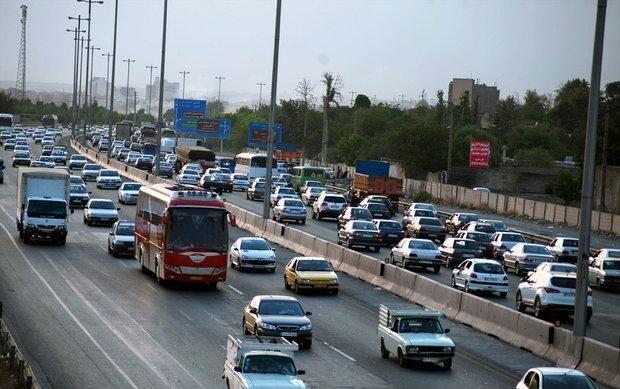 محور هراز همچنان ترافیک پرحجم دارد