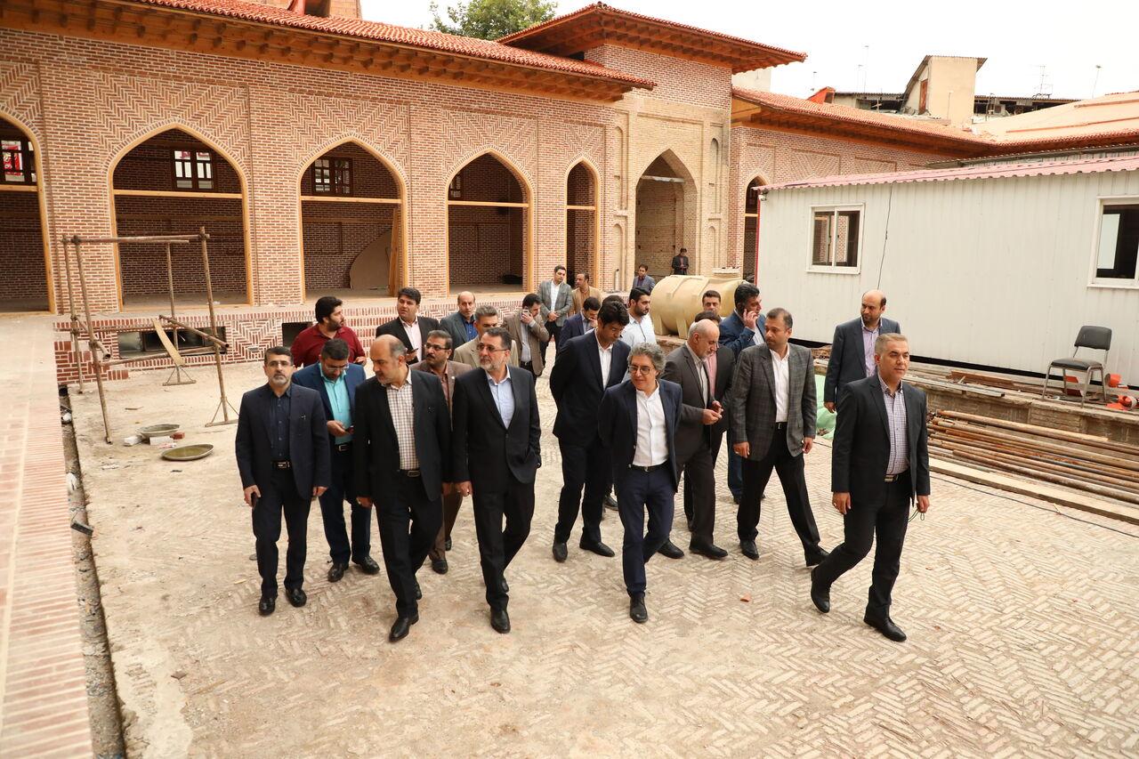 معاون وزیر راه و شهرسازی از روند بازسازی مسجد جامع ساری بازدید کرد