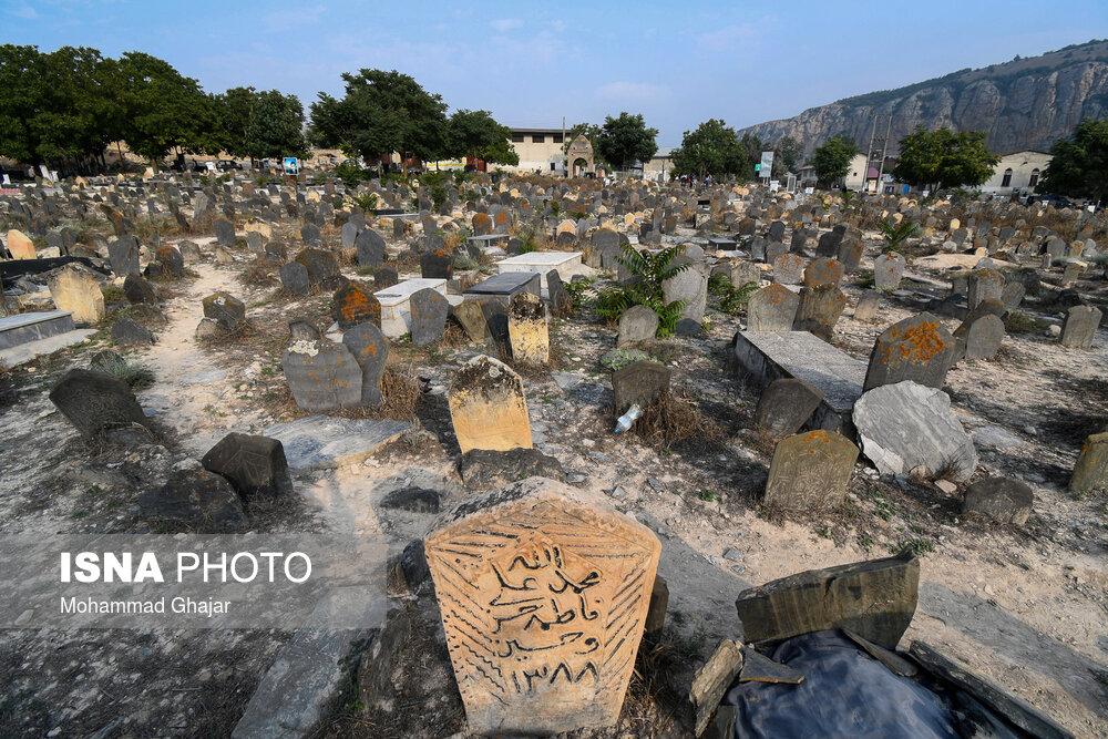 ایسنا-قبرستان-«سفید-چاه».jpg