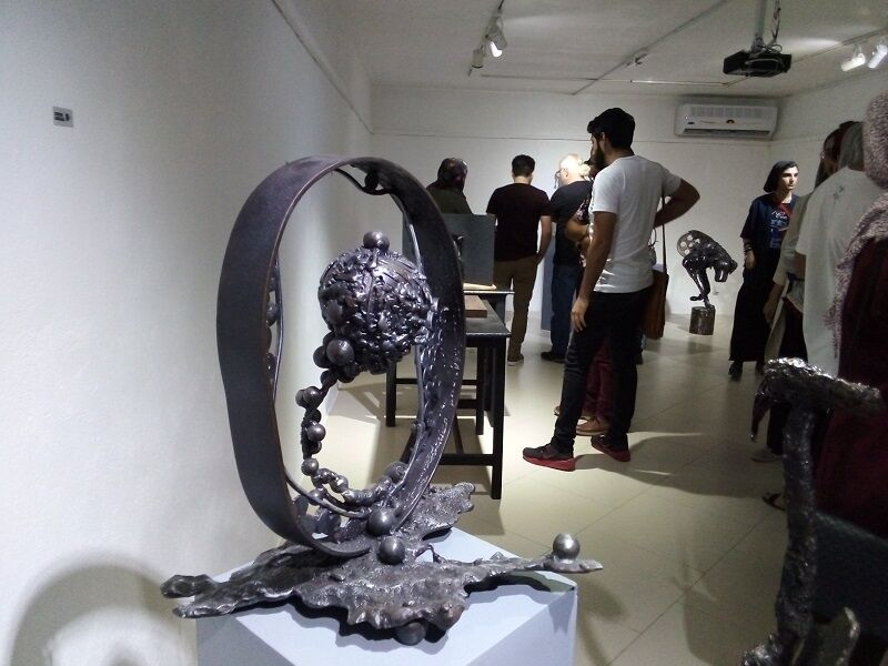 ششمین نمایشگاه مجسمههای فلزی بازیافتی در قائمشهر گشایش یافت