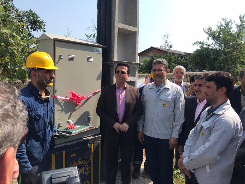 ضعف ولتاژ برق ۲ روستای نوشهر در هفته دولت حل شد