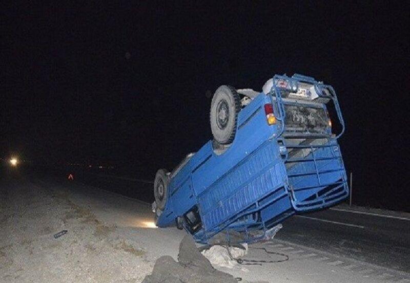 واژگونی نیسان در کمربندی نوشهر موجب مرگ راننده شد