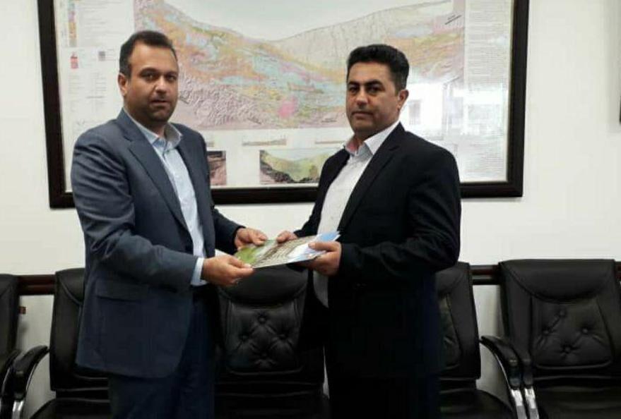 استاندار مازندران شهردار منتخب شورای شهر مرزن آباد را تایید کرد