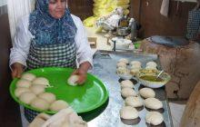 روایت زن کار آفرین روستایی که با تلاش اقتصاد خانواده را میچرخاند
