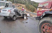 برخورد کامیون با خودروی سواری در محور کیاسر ۲ کشته گرفت