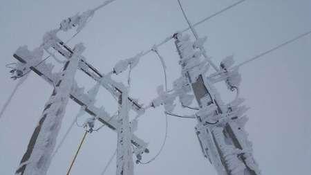 برف نزدیک به ۴ میلیارد ریال به تجهیزات برقرسانی غرب مازندران خسارت زد