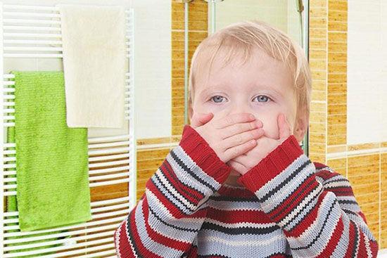 مسمومیت-کودک-چالوسی-به-خاطر-خوردن-کیک-آلوده-صحت-ندارد.jpg