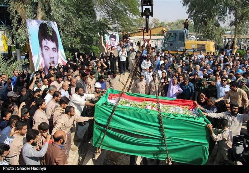 با تشییع باشکوه مردم چهاردانگه، پیکر شهید مدافع وطن در زادگاهش آرام گرفت