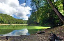 آرامش و زیبایی در کنار دریاچه چورت