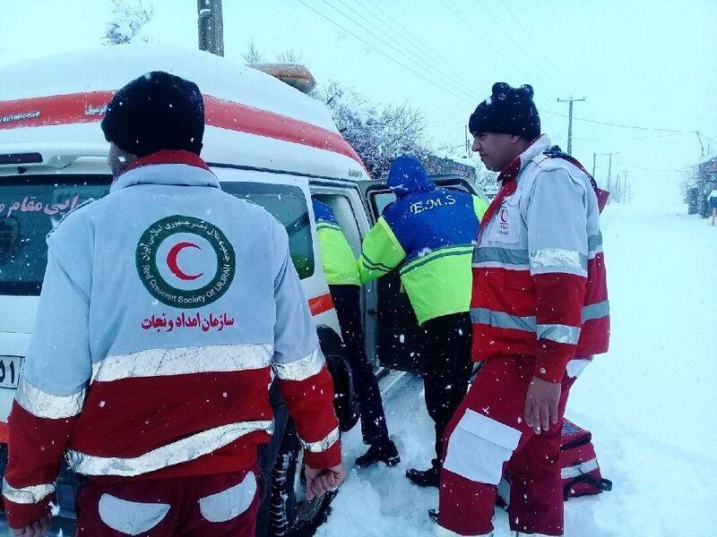 پنج فرد گرفتار در برف ارتفاعات سوادکوه نجات یافتند